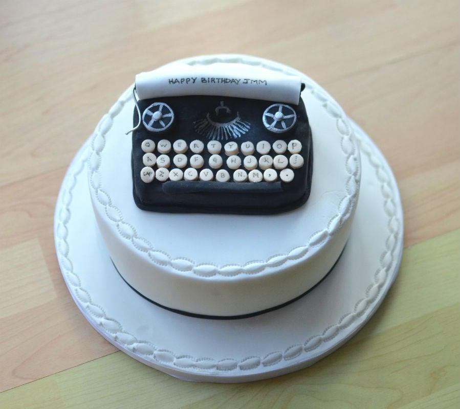 Typewriters cake