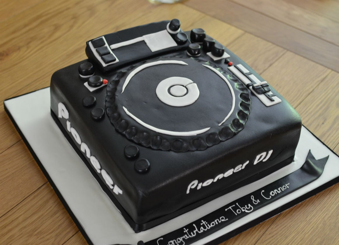 DJ cake single disc