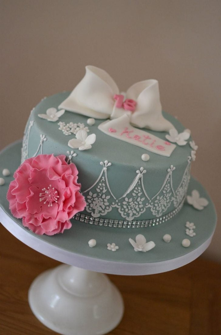 Vintage cake with pink peony & bow