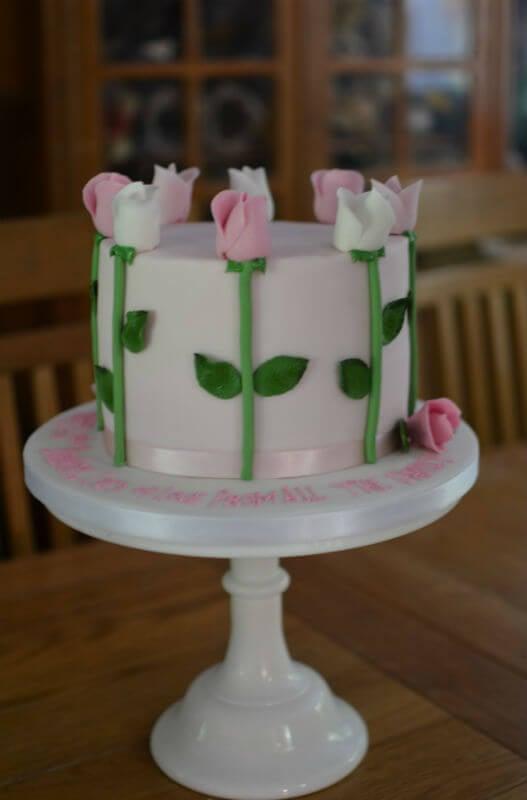 Tall roses birthday cake