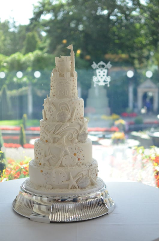 Six tier Shell & Castle wedding cake at Italian Villa.