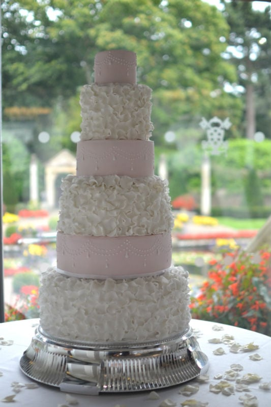 Ruffles & Pearls wedding cake at Italian Villa