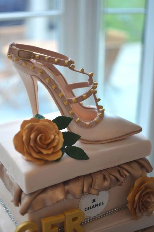 Rockstud Valentino shoe cake.