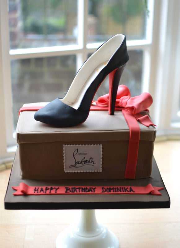 Handmade sugar shoe posted to Leicestershire