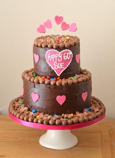 chocolate-pink-heart-cake