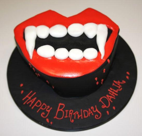 dracula-cake-2