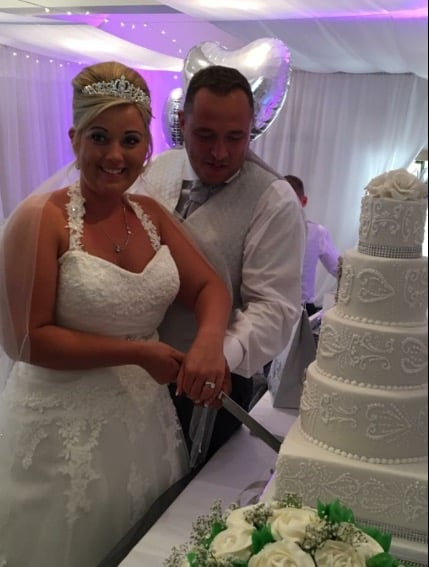 Please see pages 11 through to 14 to see my brides & grooms with their cakes and reviews.