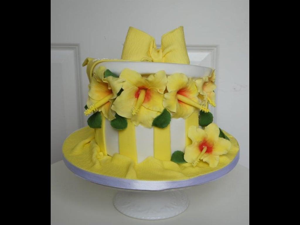 Hibiscus hat box cake