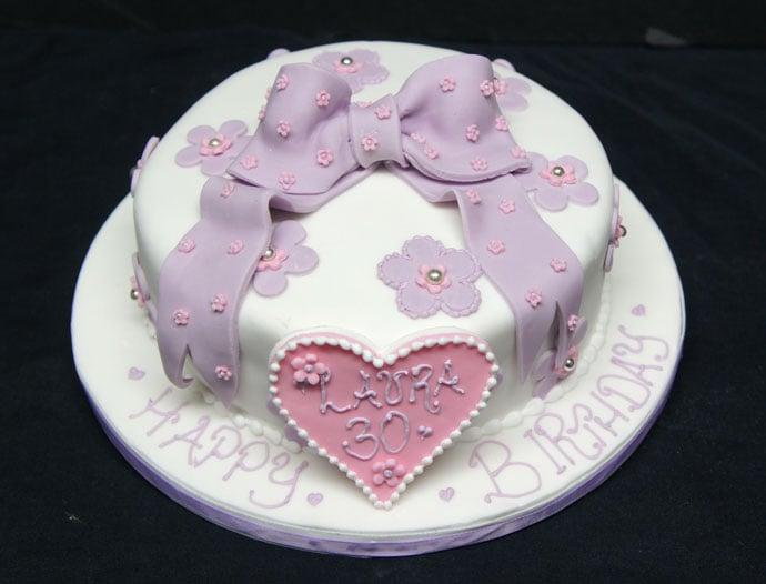 lilac-bow-cake