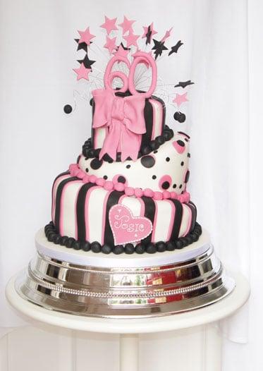 pink-black-cake