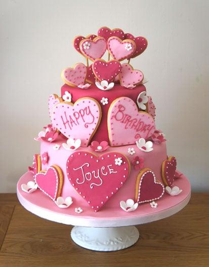 pink-love-heart-cake