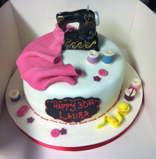 sewing-machine-cake