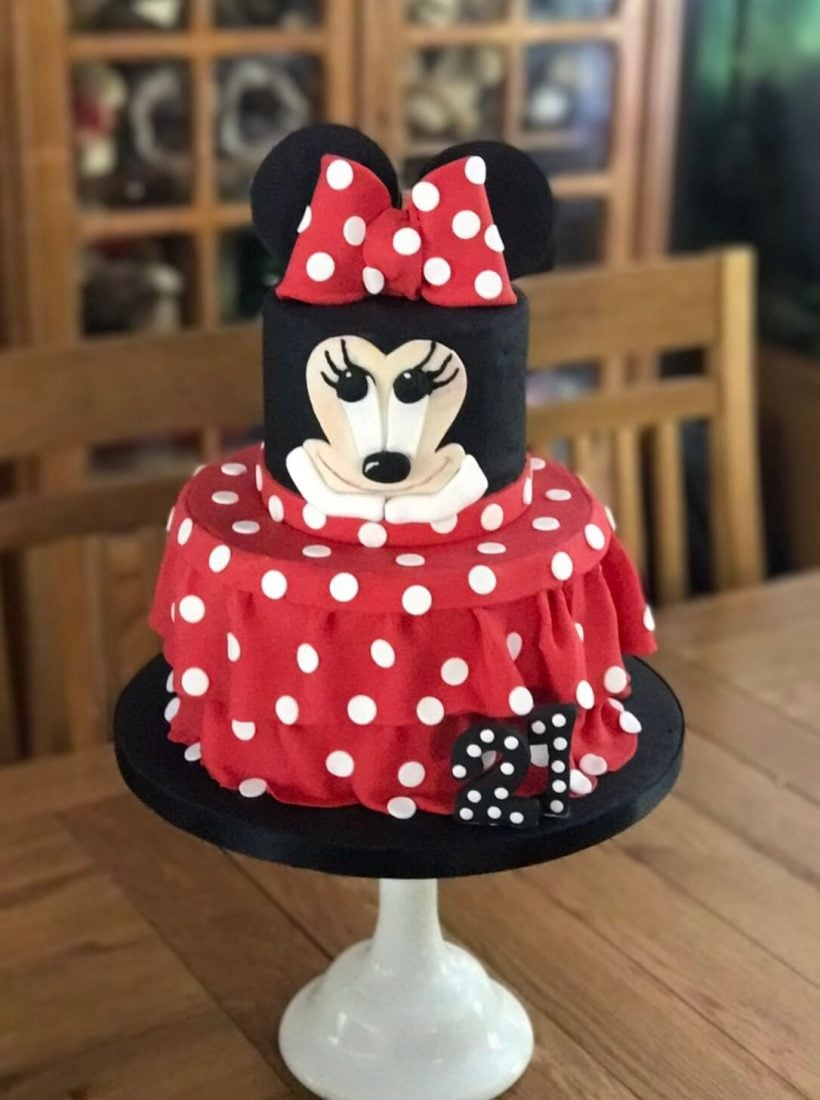 Red & black Minnie Mouse cake