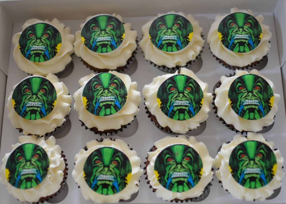 Marvel cupcakes to match Marvel cake